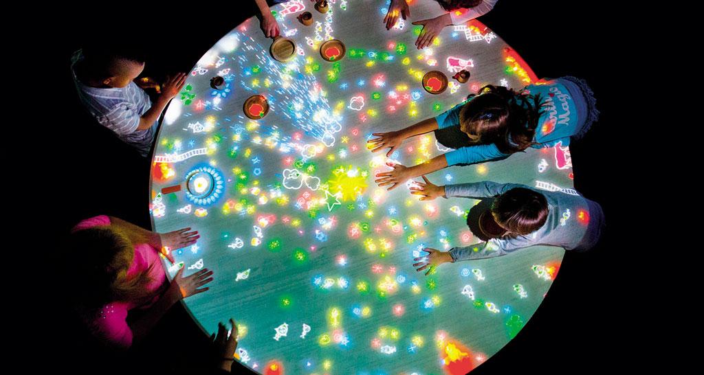 Team Lab Future Park - Little People Table